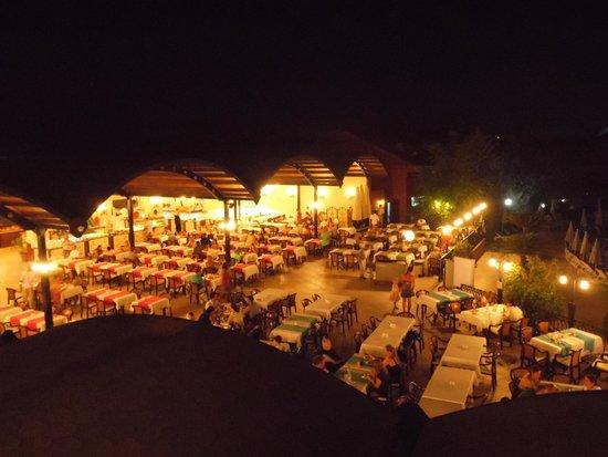 Suncity Hotel & Beach Club : Dining Area - Beautiful