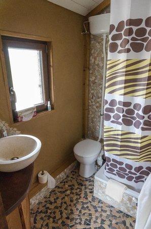 Serengeti Safari Lodges : Badezimmer