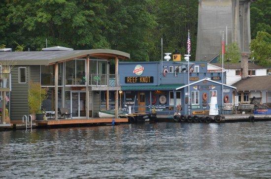 Argosy Cruises - Seattle Waterfront : Maisons et commerces flottants