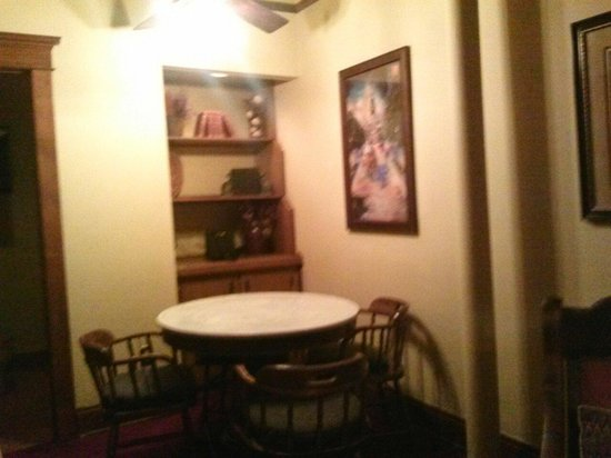 Sitting area of the Celebrity Suite, Stockyards Hotel 08/04/2014
