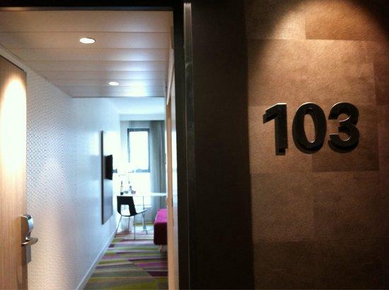 Mercure Le President Biarritz Centre : Entrée de la chambre