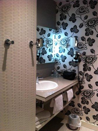 Mercure Le President Biarritz Centre: Salle de bain