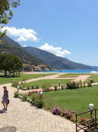 Club Belcekiz Beach Hotel: outside the hotel