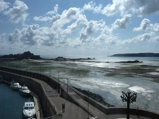 Radisson Blu Waterfront Hotel, Jersey: view from our room over the bay to Elizabeth castle