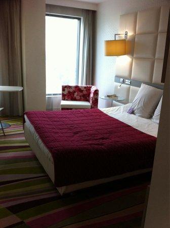 Mercure Le President Biarritz Centre : Chambre et literie