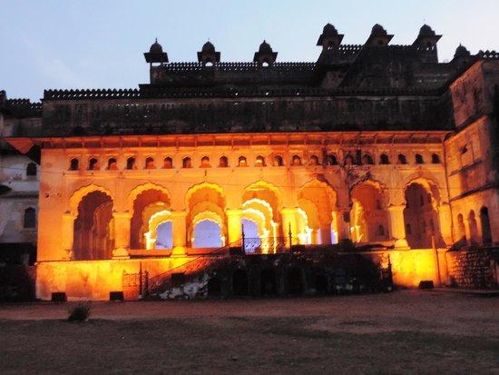Raja Mahal: Raj Mahal-Diwan-i-am lighted up during the light and sound show
