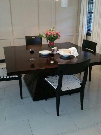 Boca Raton Resort, A Waldorf Astoria Resort: Dining area in bungalow room 1238 superb