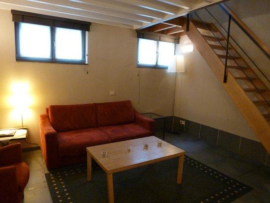 Hotel Harmony: Executive Double Living area