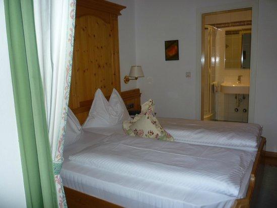 Hotel Restaurant Kirchsteiger: bedroom