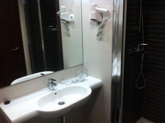 4R Playa Park: Salle de bain