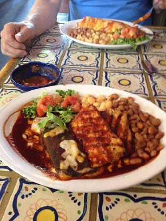 MartAnne's Burrito Palace: Delicious!