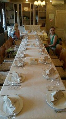 Chestnaya Kuchnya Restaurant: Стол