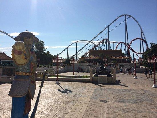 PortAventura Park: View of Shambala and Dragon Khan from outside China theatre