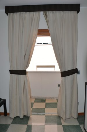 Bagni Arcobaleno: Blick auf den Balkon