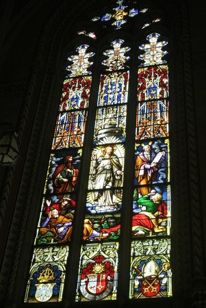 Cathedrale de St-Pierre : Vetrata