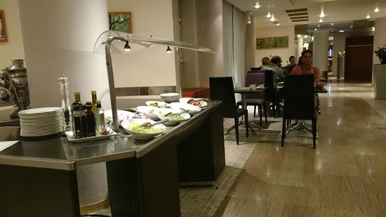 Novotel Firenze Nord Aeroporto: Salad Bar