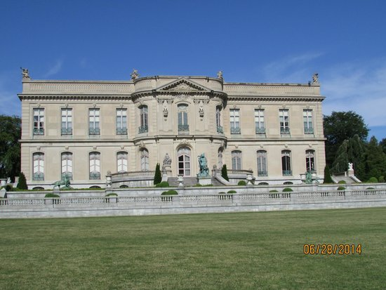Newport Mansions : The Elms