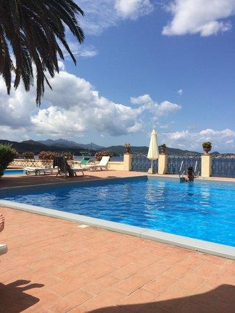 Hotel Villa Ottone : Pool