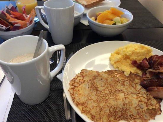 Novotel Paris Centre Tour Eiffel : Breakfast food