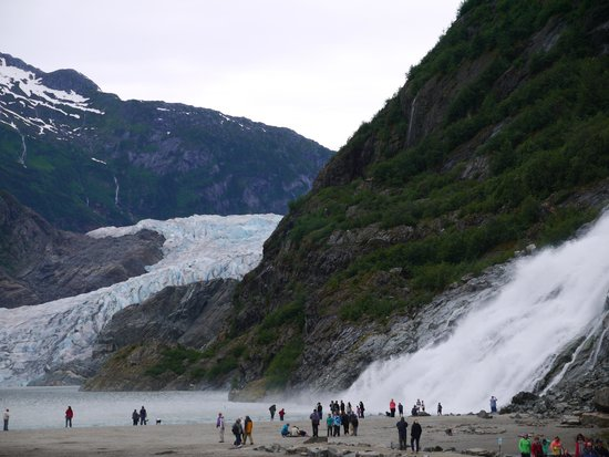 Mendenhall Glacier Visitor Center : Glacier and waterfall