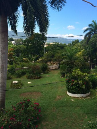 Verney's Tropical Resort: View THROUGH the balcony safety bars