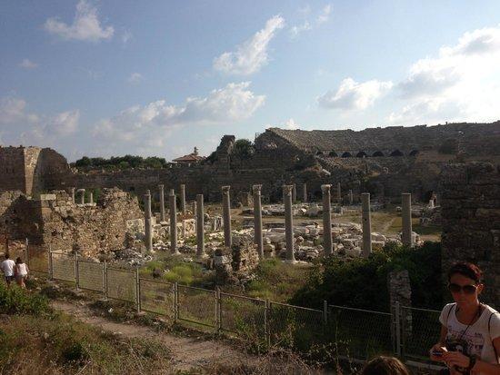 Kentia Apartments: Roman ruins