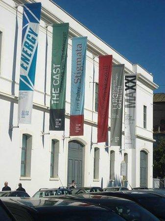 MAXXI - Museo Nazionale delle Arti del XXI Secolo : Una mostra più bella dell'altra!