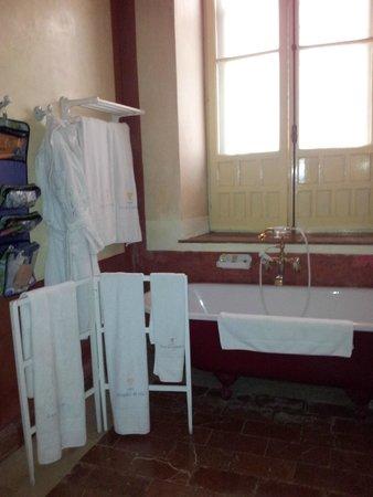 Casa Palacio de Carmona: Ground floor bathroom