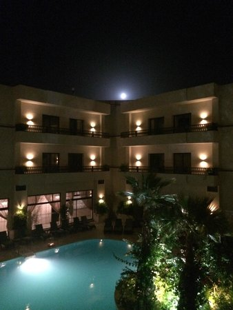 Kech Boutique Hotel & Spa : Beautiful moon viewed from the balcony