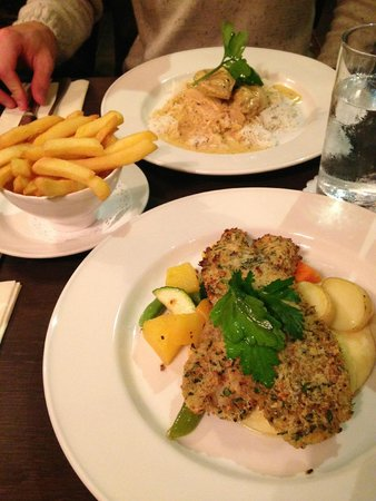 The Chestnuts Hotel: Meal in the pub