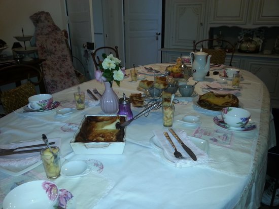 Chateau Bily : Breakfast of home made Breton specialties on a picture perfect table.  Delightful!