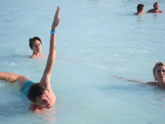 Blue Lagoon Iceland : relaxing and playing