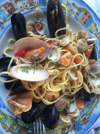Al Gatto Nero Da Ruggero : Spaghetti Vongole