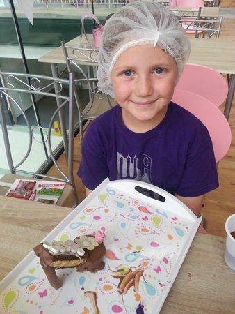 The Kandy Factory: Chocolate making fun