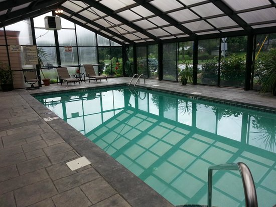 Jonathan Creek Inn and Villas: Indoor pool