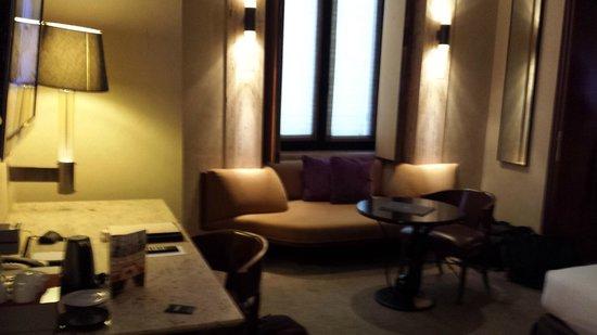 Park Hyatt Milan: sofa