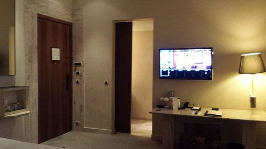 Park Hyatt Milan : tv