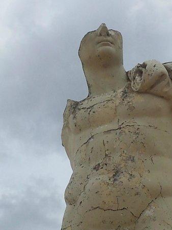 Conjunto Arqueológico Itálica: Statue