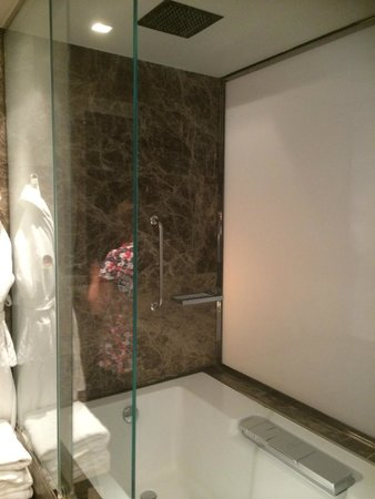 Boscolo Budapest, Autograph Collection: Bath with marble surround  and rain shower