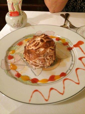 L'Auberge Gourmande : Baked Alaska.