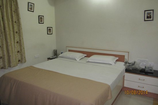 Manjunatha Residency: Bedroom