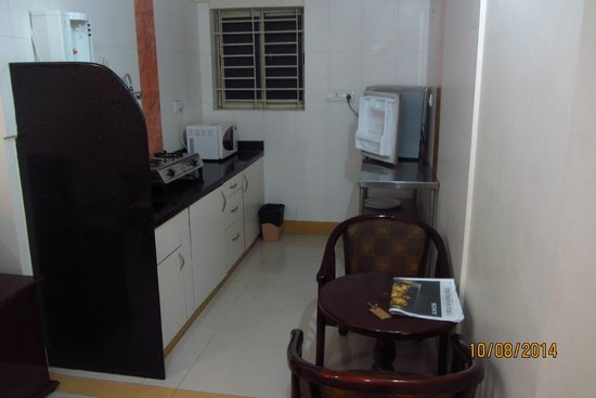 Manjunatha Residency: kitchenette - which we never used