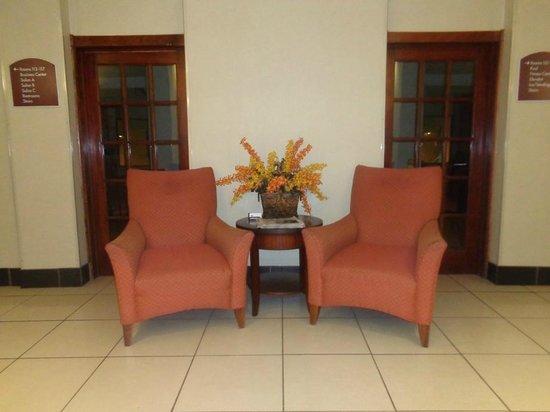 Holiday Inn Express Hotel & Suites Sylacauga: lobby area