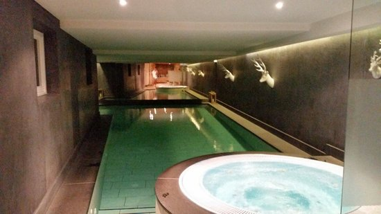 Hotel Somont: Piscina e idromassaggio