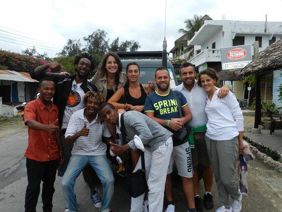 Kenya Safari Team - Day Tours: PARTENZA TSAVO EST