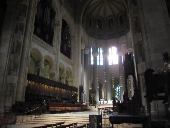 Cathedral Church of Saint John the Divine : 内部1