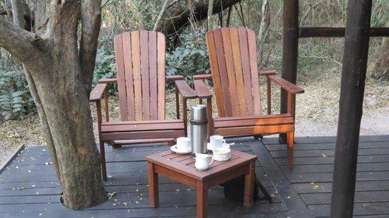 Kosi Forest Lodge: 's morgens staat er een kan heet water klaar op je eigen terras, zodat je koffie/thee kunt maken