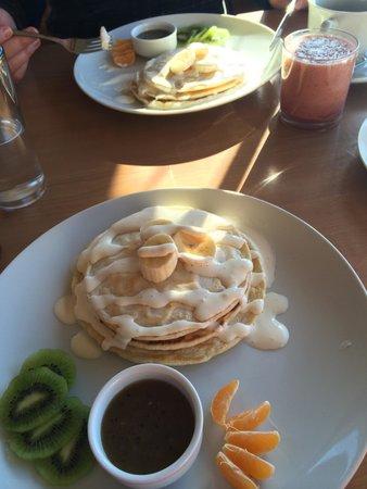 Costa Azul : Café da manhã com panquecas americanas deliciosas!