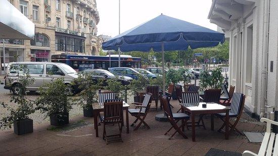 Radisson Blu Schwarzer Bock Hotel: Exterior