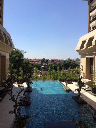 Hotel Tentrem Yogyakarta: Piscina